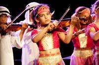 Kinderen spelen viool